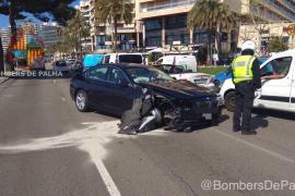 BMW-Fahrer rast auf Palmas Paseo Marítimo Ampel um