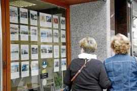 Wohnungsnot: Familien müssen sich Häuser teilen