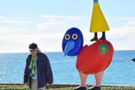 Gustavos Kunst auf der Promenade von Cala Rajada
