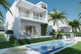 Villa mit Pool und Meerblick von der Dachterrasse