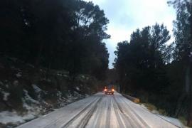 Serra de Tramuntana unter weißer Decke