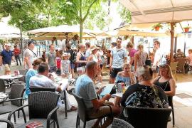 Mallorca-Wirte werben Kellner jetzt sogar in Deutschland an