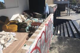 """Okupas"" besetzen Ex-Disco an Plaza Gomila in Palma"