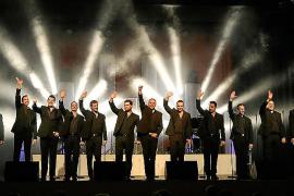 Zwölf Tenöre singen Klassik, Pop und Rock auf Mallorca