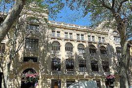Das ehemalige Kino Cine Born öffnete seine Pforten 1931 und existierte bis 1988. Heute residiert dort das Kaufhaus Zara.