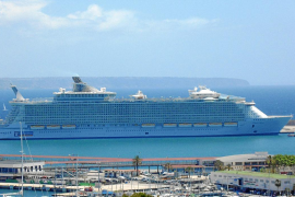 "Riesenpott ""Oasis of the Seas"" macht in Palma fest"