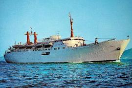 """So sah das Schiff aus, als es noch eine Fähre war und """"Juan March"""" hieß."""