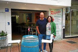 TV-Koch Frank Rosin hilft Sängerin auf Mallorca