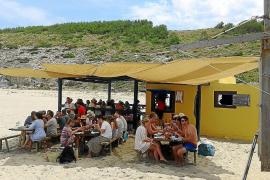Illegaler Chiringuito an Cala Torta wiedereröffnet