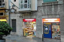 Arca kritisiert Leuchtreklame und Geldautomaten