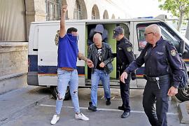 """Polizisten nehmen zwei """"Okupas"""" in Palma fest"""