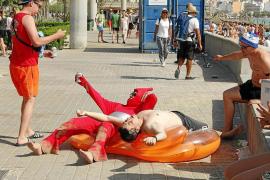 Polizisten bestrafen Bars statt Säufer an Playa de Palma