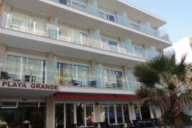 Deutscher stürzt aus Hotel an Playa de Palma