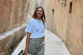 Tennisstar Sharapova schlendert durch Palma