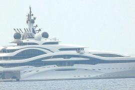Edle Katar-Yacht in der Bucht von Palma gesichtet