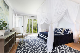 Blick ins Schlafzimmer von Guido Maria Kretschmers Villa in Sa Cabaneta.