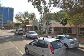 Jugendliche stürzt aus 1. Stock eines Hotels in Palmanova