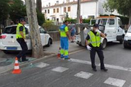 Taxi in Palma rast auf Bürgersteig