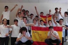 Schule suspendiert Lehrer wegen Foto mit Franco-Gruß