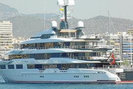 Modernste Megayacht liegt in einer Werft in Palma