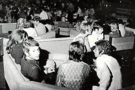 Die Sitzgruppen waren wabenförmig angeordnet.
