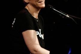 Annie Lennox wie Krethi und Plethi bei Adriano-Konzert