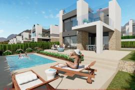 Die Neubauhäuser werden mit Pool ausgestattet.