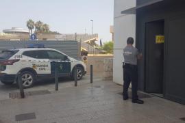 Polizisten sperren Zechpreller in Zelle