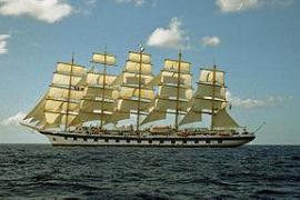 """Fünfmaster """"Royal Clipper"""" legt im Hafen von Palma an"""