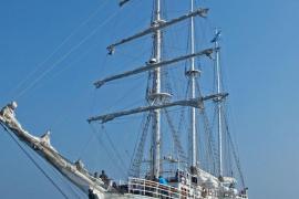 Spanischer Kreuzfahrt-Segler liegt im Hafen von Palma
