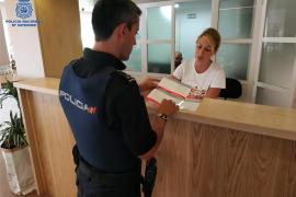 Polizei informiert Urlauber, wie sie sich vor Dieben schützen