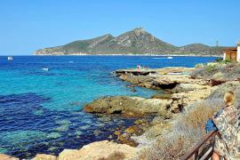 So lieben Urlauber Sant Elm: Ruhig und mit einem tollen Blick aufs Meer.