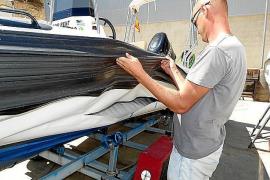 Unbekannte schlitzen Boote in Port de Sóller auf