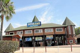 Vermummte brechen in Aquapark in Arenal ein