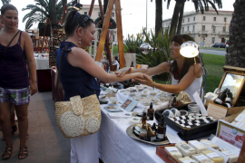 Kunsthandwerkermarkt ist ein Besuchermagnet