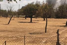 Rauchschwaden sind in der Umgebung des Unglücksortes zu sehen.