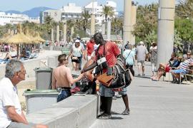 Anwohner und Geschäftsleute beklagen Straßenhandel