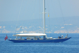 "Alt-Luxusyacht ""Endeavour"" ankert vor Mallorca"