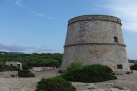 Polizisten führen auf Ibiza 73 illegale Partygänger ab