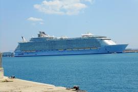 Schwulen- und Lesbenschiff macht in Palma fest