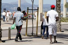 Razzia gegen Straßenhändler an der Playa de Palma