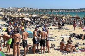 Gedränge an der Playa de Palma.