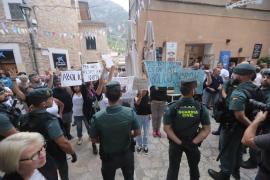 Tierschützer protestieren gegen die Tradition.