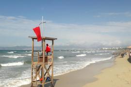 Playa de Palma zum Teil vom Meer fast ganz überspült