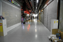 Geschäfte unter der Plaça Major müssen schließen