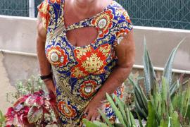 Entertainerin Marita Köllner mit bekannter Perücke im September an der Playa de Palma.