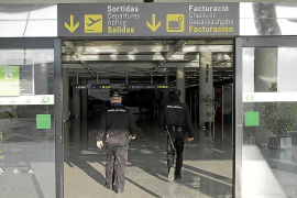 Brite nach Attacke gegen Airport-Polizisten verurteilt