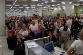 Chaotische Szenen am Flughafen von Mallorca.
