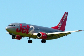 Betrunkener Brite löst in Jet falschen Bombenalarm aus