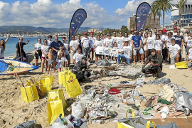 300 Kilo Müll aus Meer vor Palmas Stadtstrand gefischt